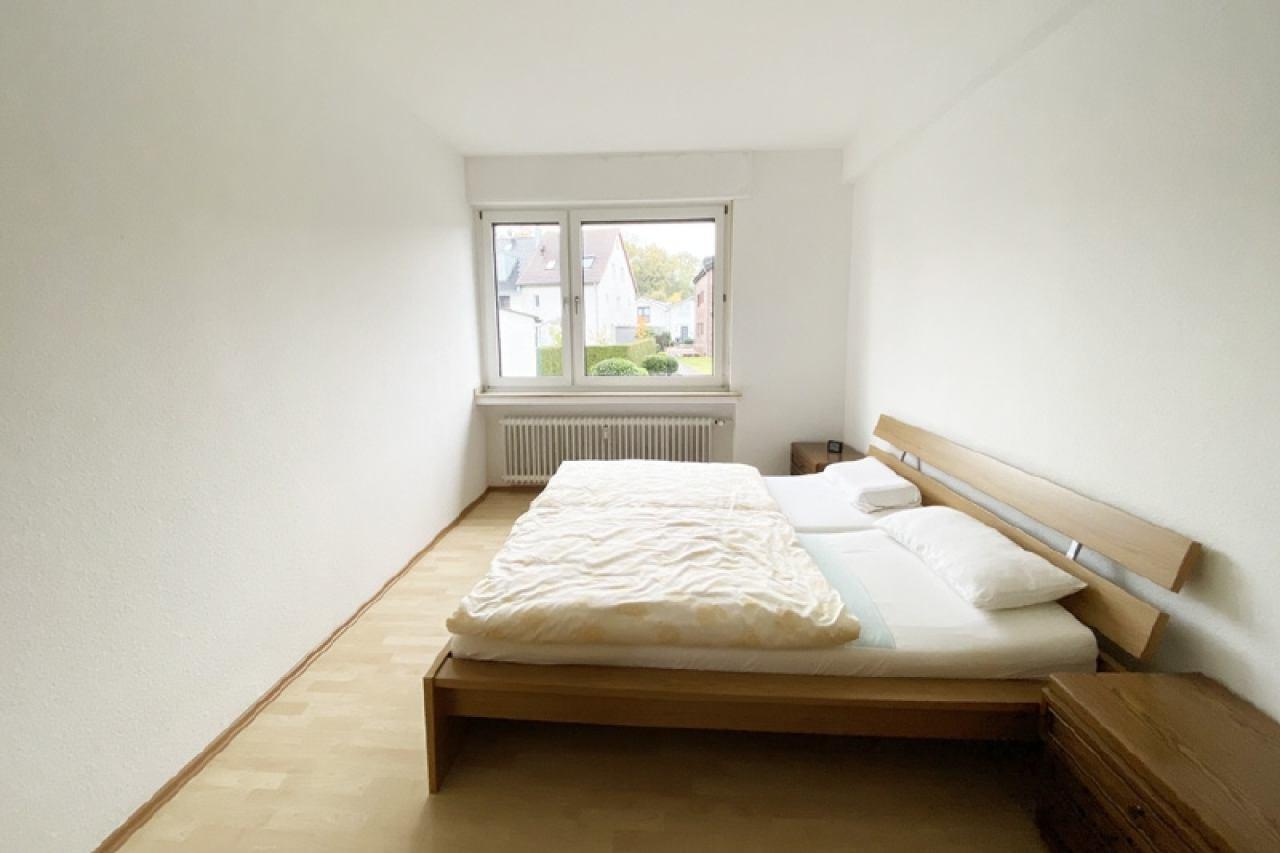 Schlafzimmer einer EG-Wohnung