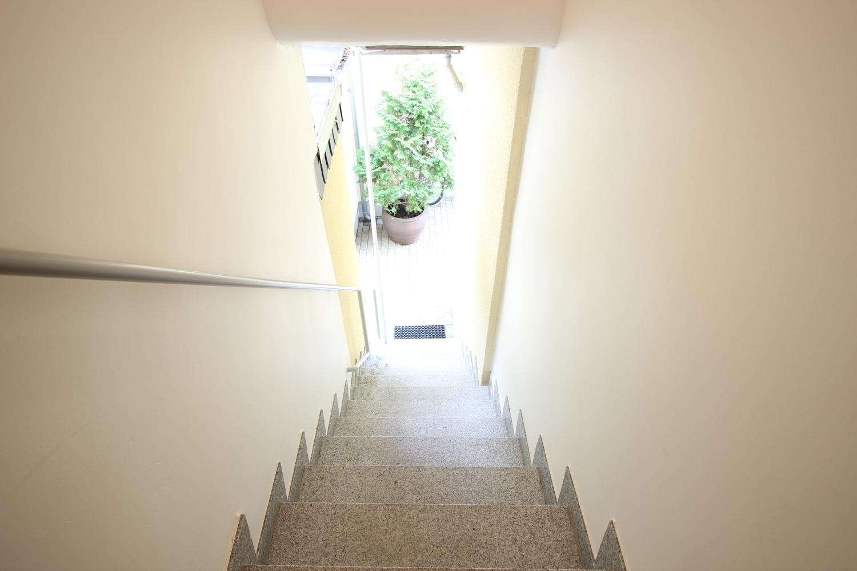 Zugang Appartement im Hof