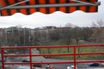 Balkon mit elektrischer Markise