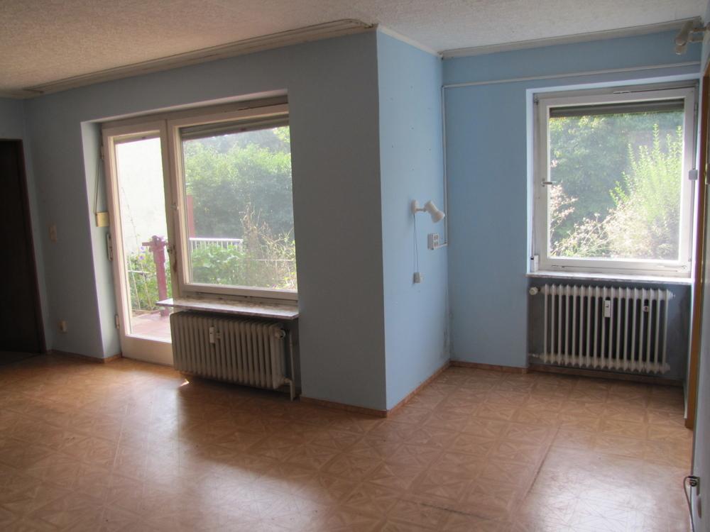 Große Fenster des Wohnzimmers