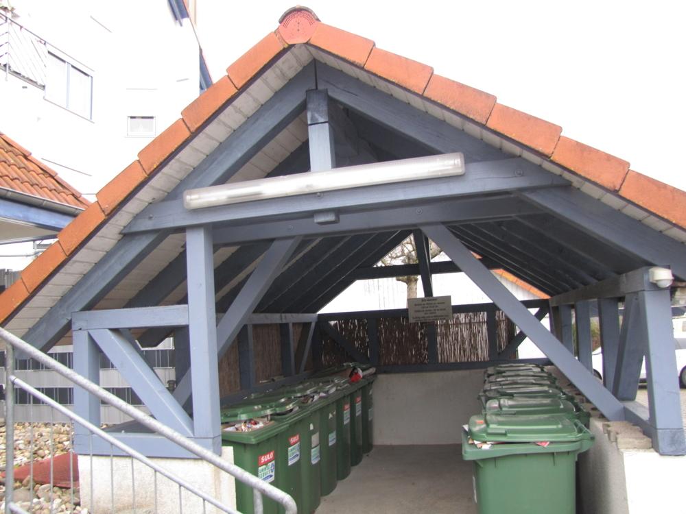 """Das separate """"Müllhaus"""""""