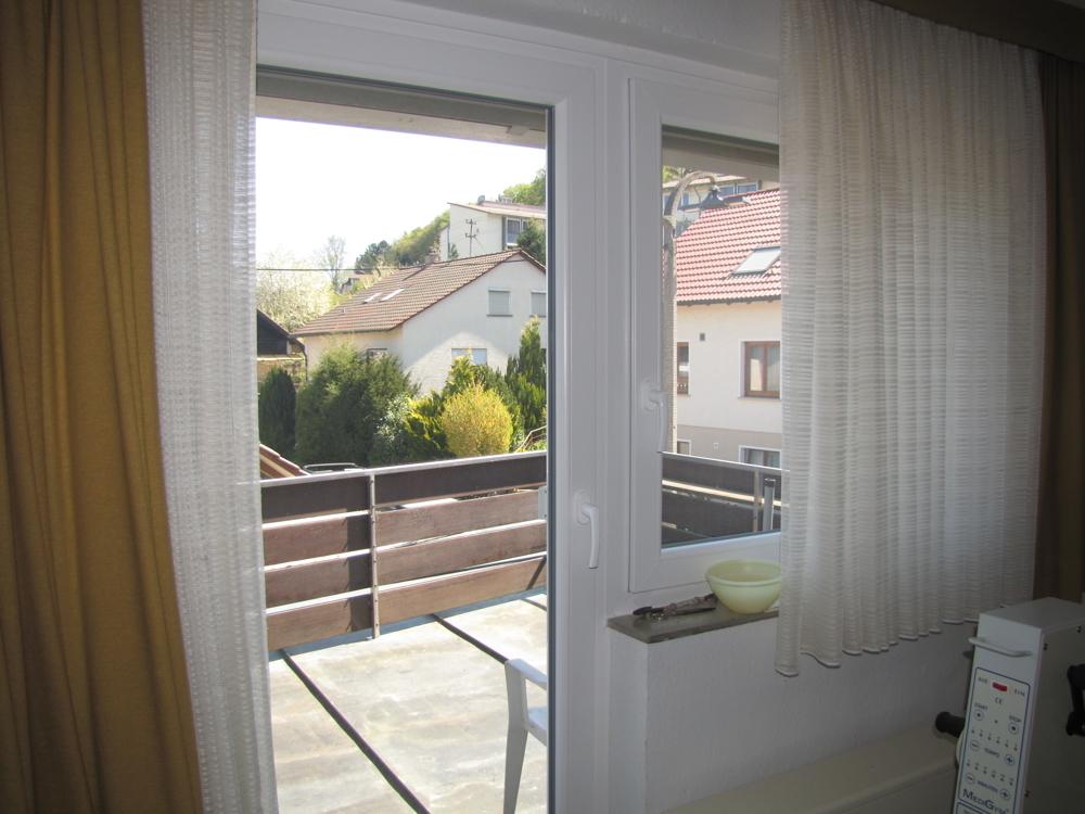 Blick auf den Balkon im OG