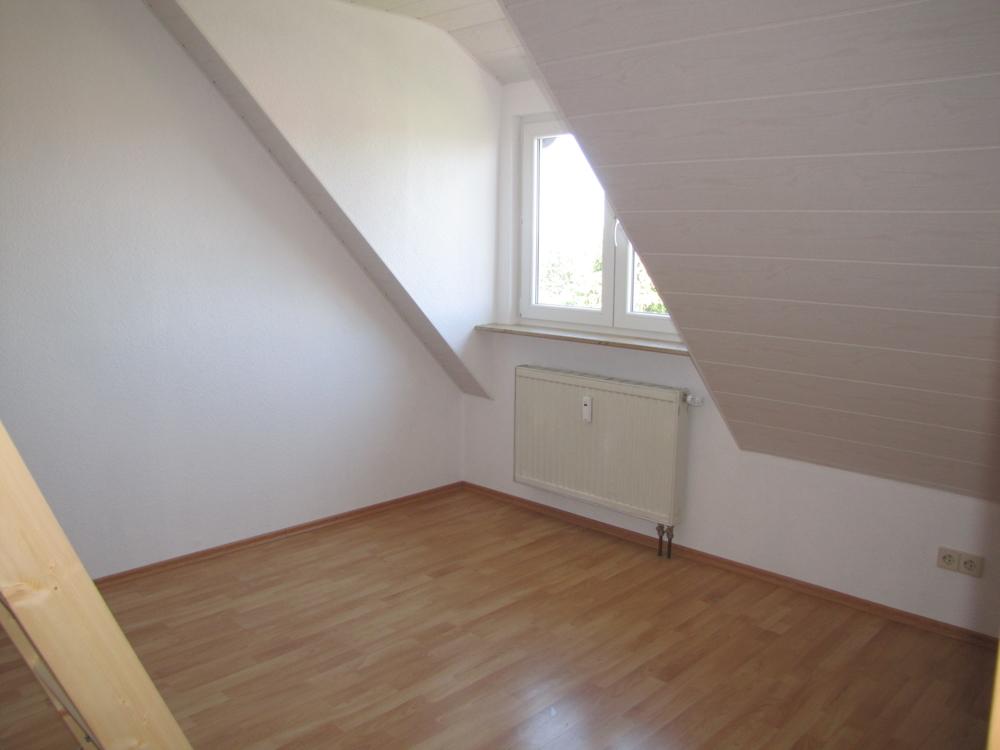 Das 2. Schlafzimmer mit Aufgang Dachspitz
