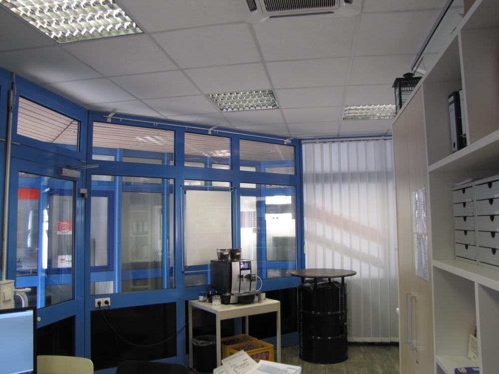 Der Bürobereich mit Kaffeebar