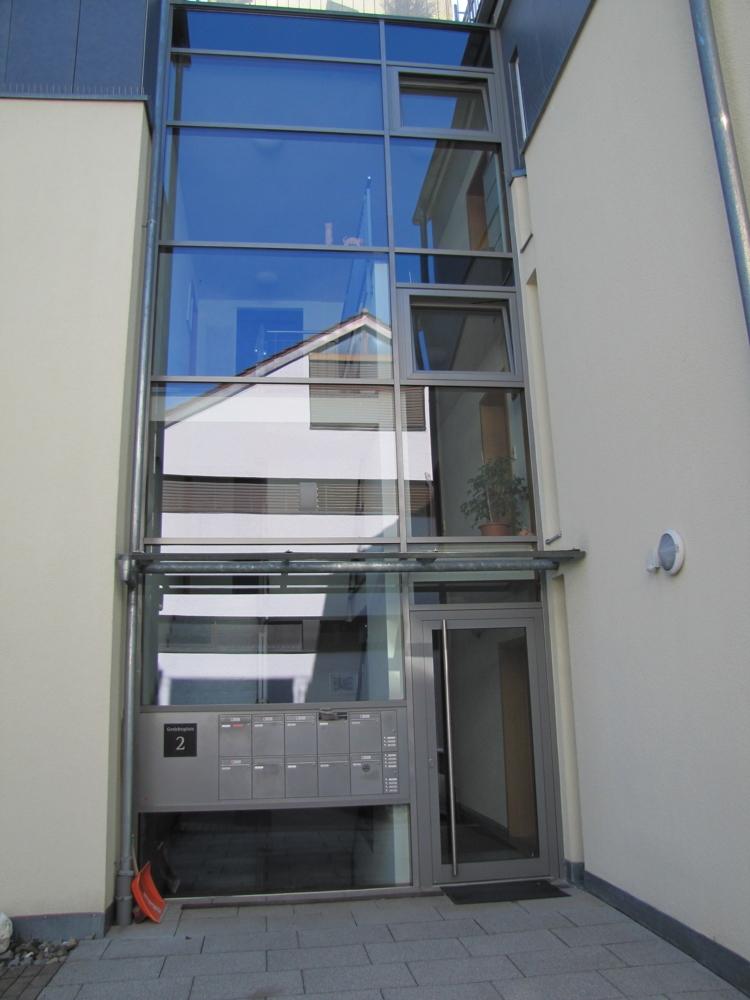 Treppenanlage mit Aufzug