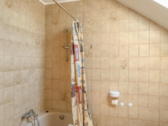 NEU zur Vermietung in Bochum Hofstede - Bad - Reuter Immobilien – Immobilienmakler