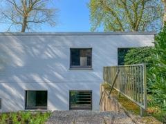 NEU zum Verkauf in Bochum - Weitmar - Bungalow - Außenansicht Büroeingang- Reuter Immobilien – Immobilienmakler