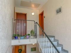 NEU zur Vermietung in Bochum Westenfeld - Hausflur - Reuter Immobilien – Immobilienmakler