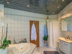 NEU zur Vermietung in Bochum Linden - Badezimmer - Reuter Immobilien – Immobilienmakler