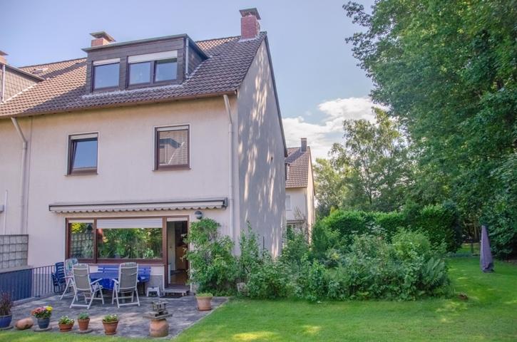NEU zum Verkauf in Bochum - Wiemelhausen - Reihenendhaus - Außenansicht - Reuter Immobilien – Immobilienmakler (3)
