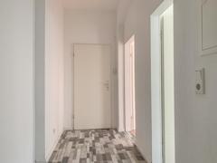 NEU zur Vermietung in Herne Holsterhausen - Diele - Reuter Immobilien – Immobilienmakler