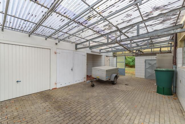 Garage und Kühlräume