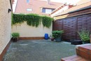 Große Terrasse im Hof