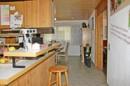 die Küche ist offen zum Essbereich