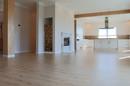 Großer Wohn-Essbereich mit Küche