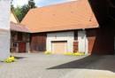 Innenhof mit Scheunen