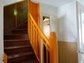 gut erhaltenes Treppenhaus
