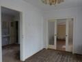 Blick zum Wohnzimmer und zur Küche