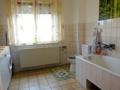 Bad mit Waschmaschinenanschluss im Erdgeschoss