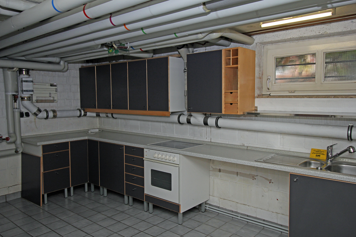 Keller mit Küche