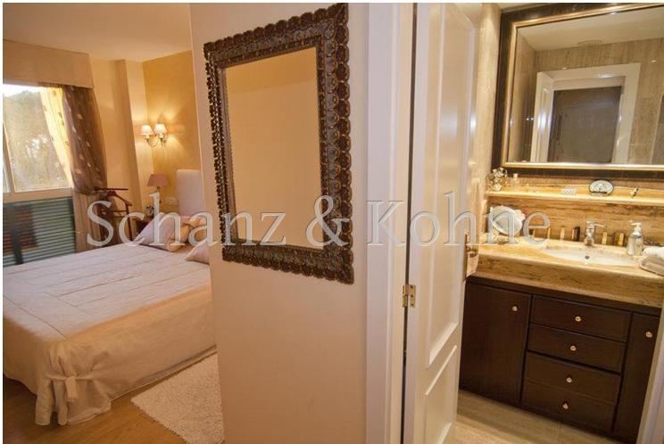 Schlafzimmer 1 mit Bad en Suite
