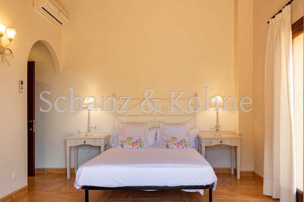 3. Schlafzimmer (OG) 3.2