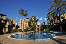 Gartenanlage mit Pool 1