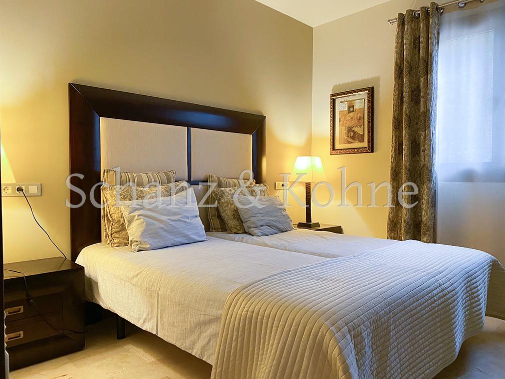 Schlafzimmer 1.1