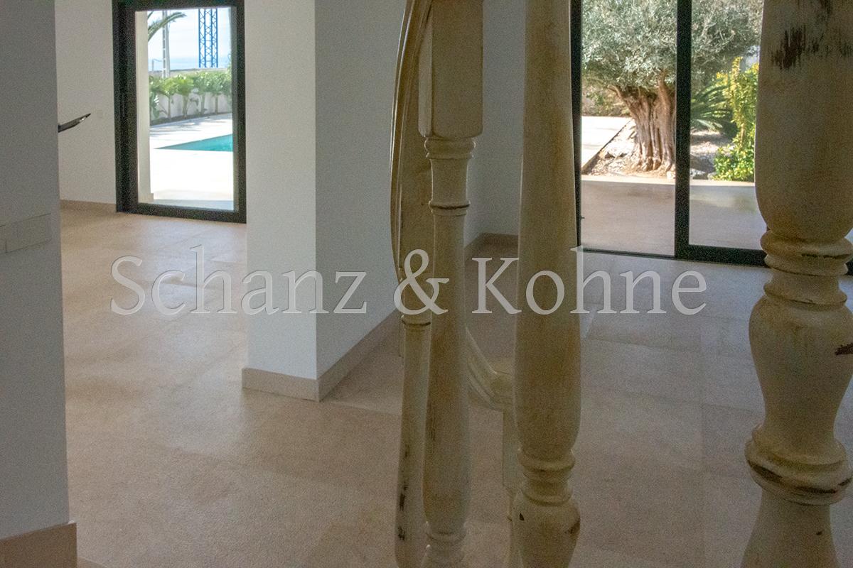 Treppenhaus + Wohnzimmer