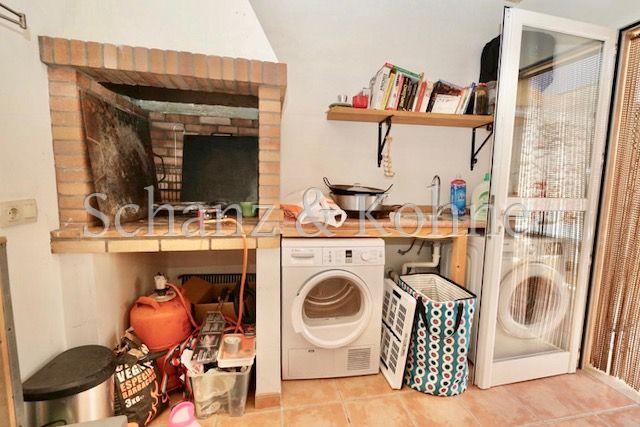 Nebenhaus oder Waschraum