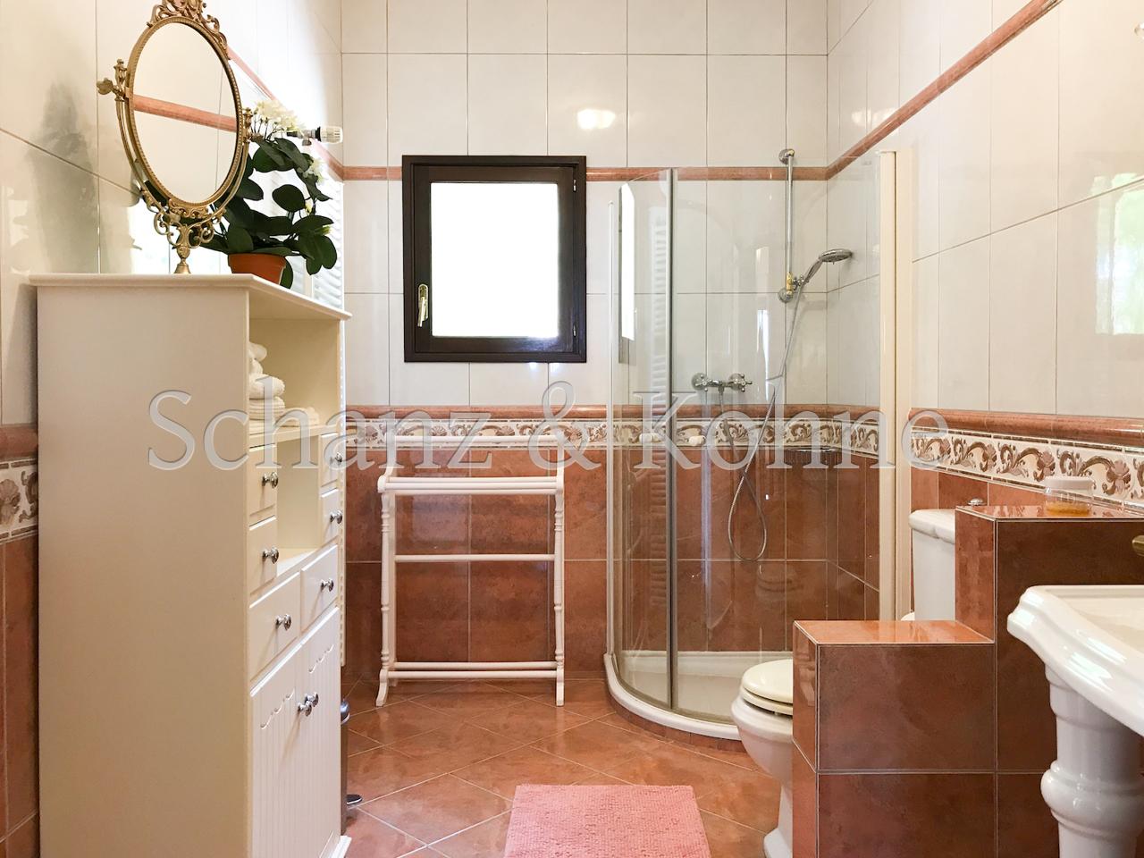 Badezimmer EG 1.2