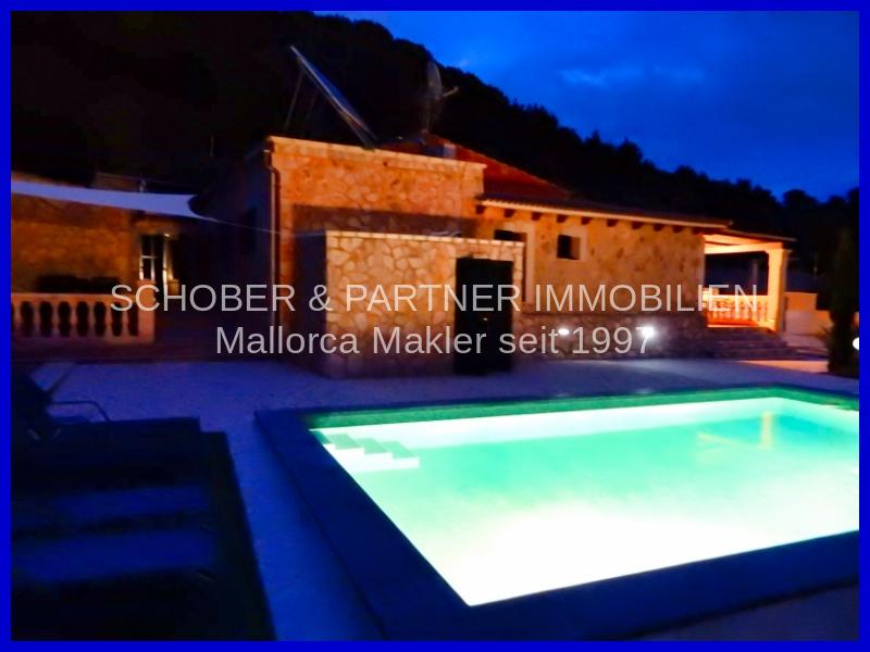 Pool-Haus
