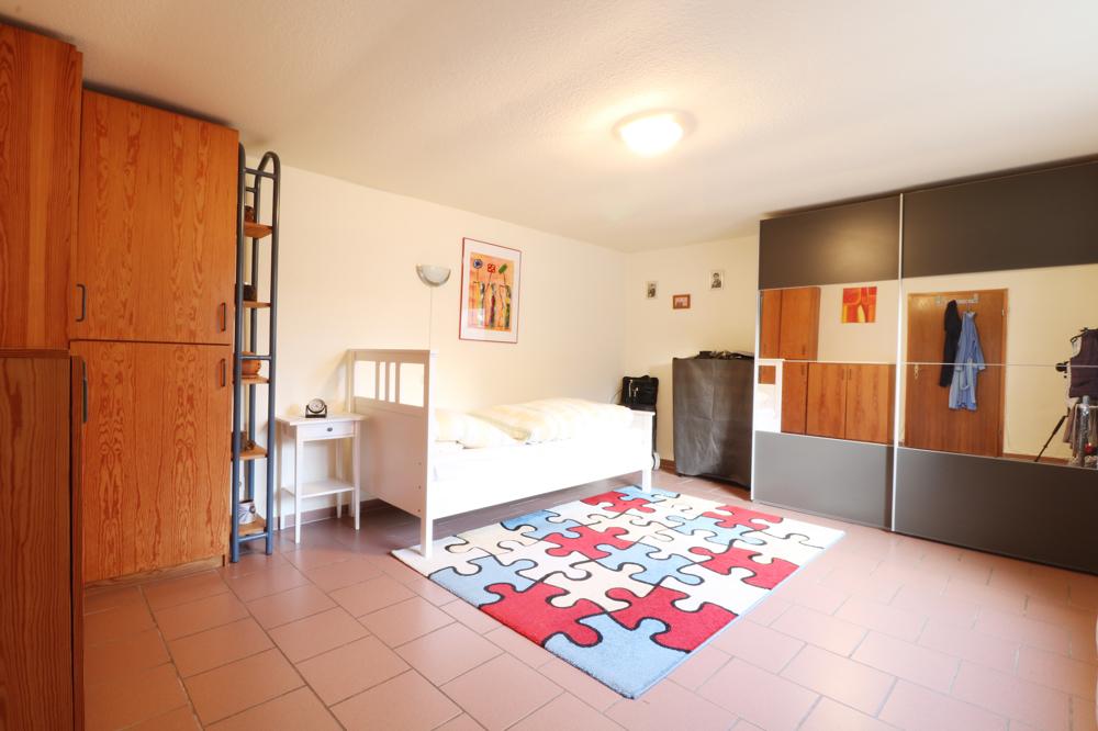 Schlafzimmer (Anbau)