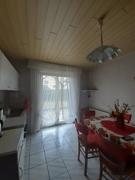 Küche mit Ausgang Terrasse