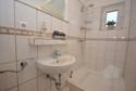 Helles Gäste WC mit Dusche