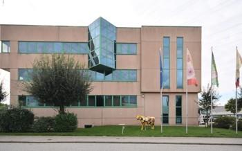 Büro- und Ausstellungsfläche mit Lastenaufzug!