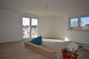 geräumiges Wohnzimmer mit Südbalkon