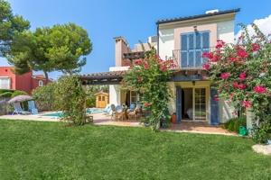 Beautiful villa in a very elegant residential complex