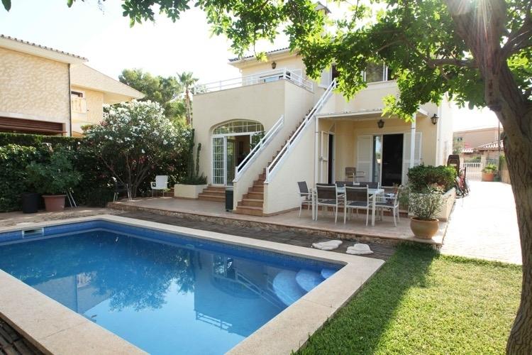 Haus mit privat Pool kaufen