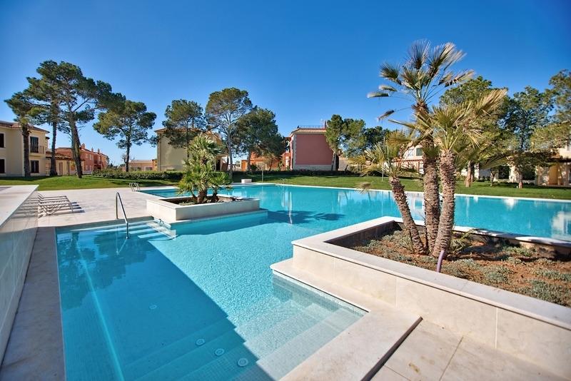 Wohnung in Anlage mit Pool kaufen