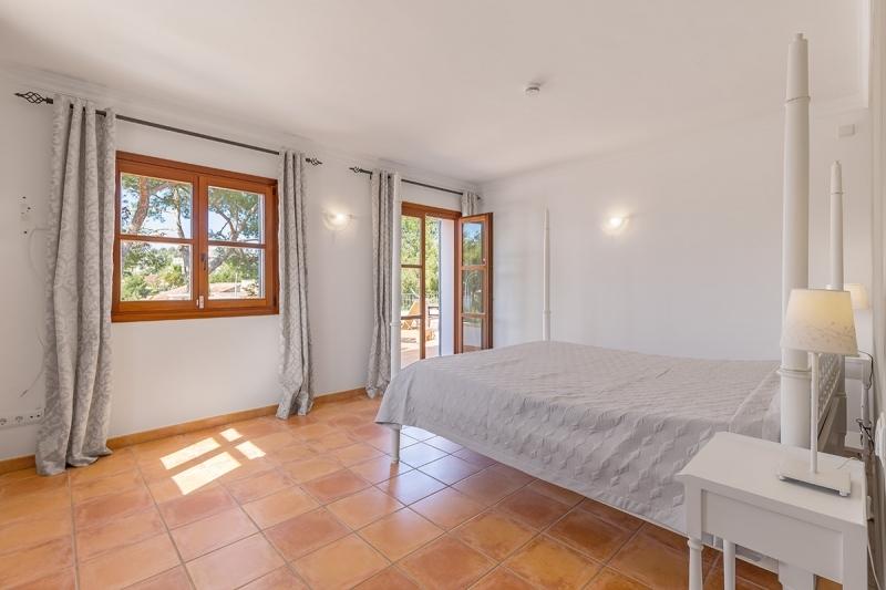 Buy Nova Santa Ponsa Villa