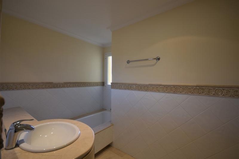 Second bathroom-2