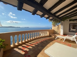Terrace apartment in Cala Fornells