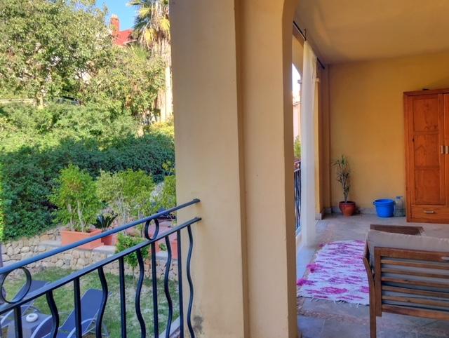 Terrassen-Wohnung mieten