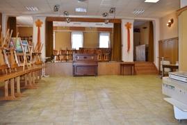großer Saal mit Bühne