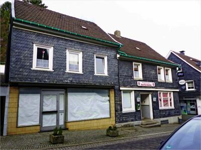 Straßenansicht von Haus 12 und 14