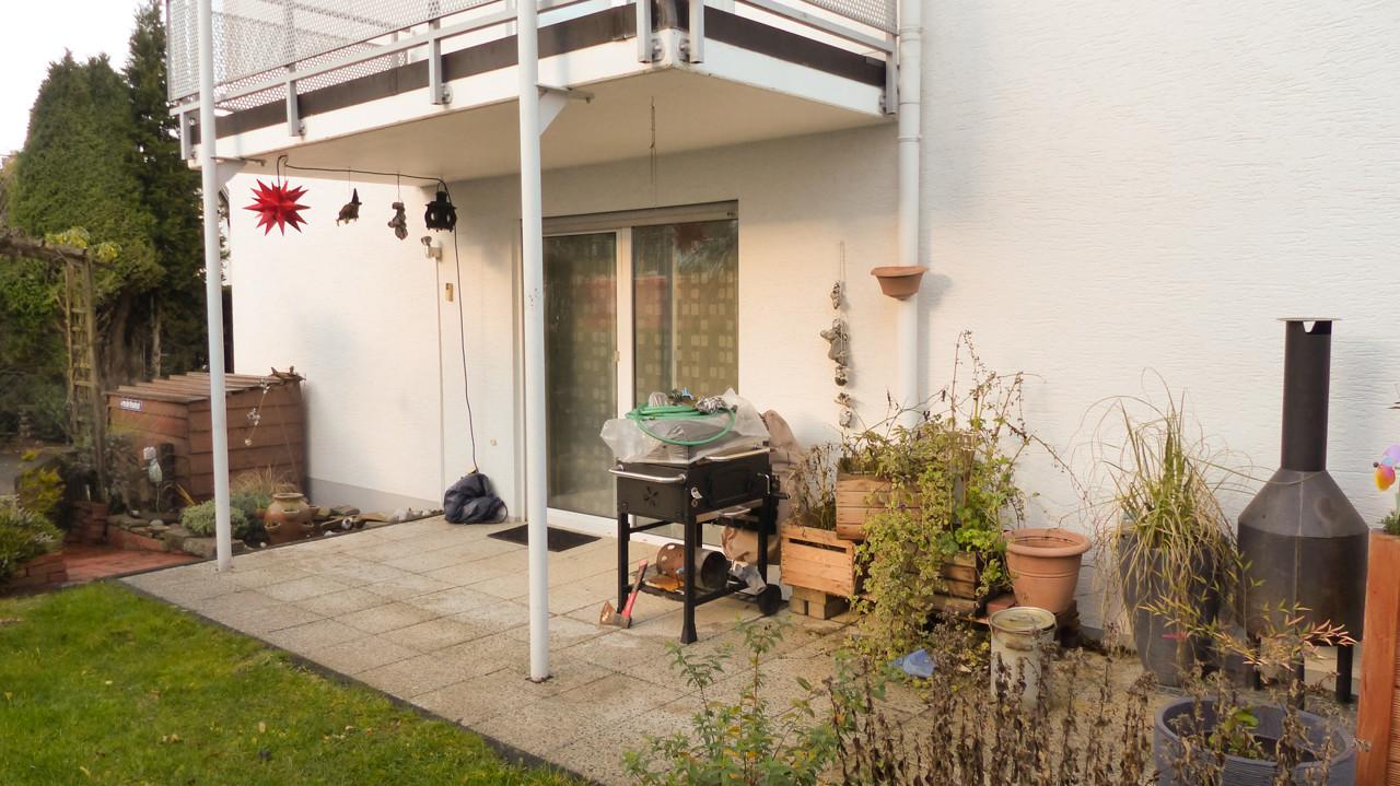 Teilweise überdachte Terrasse