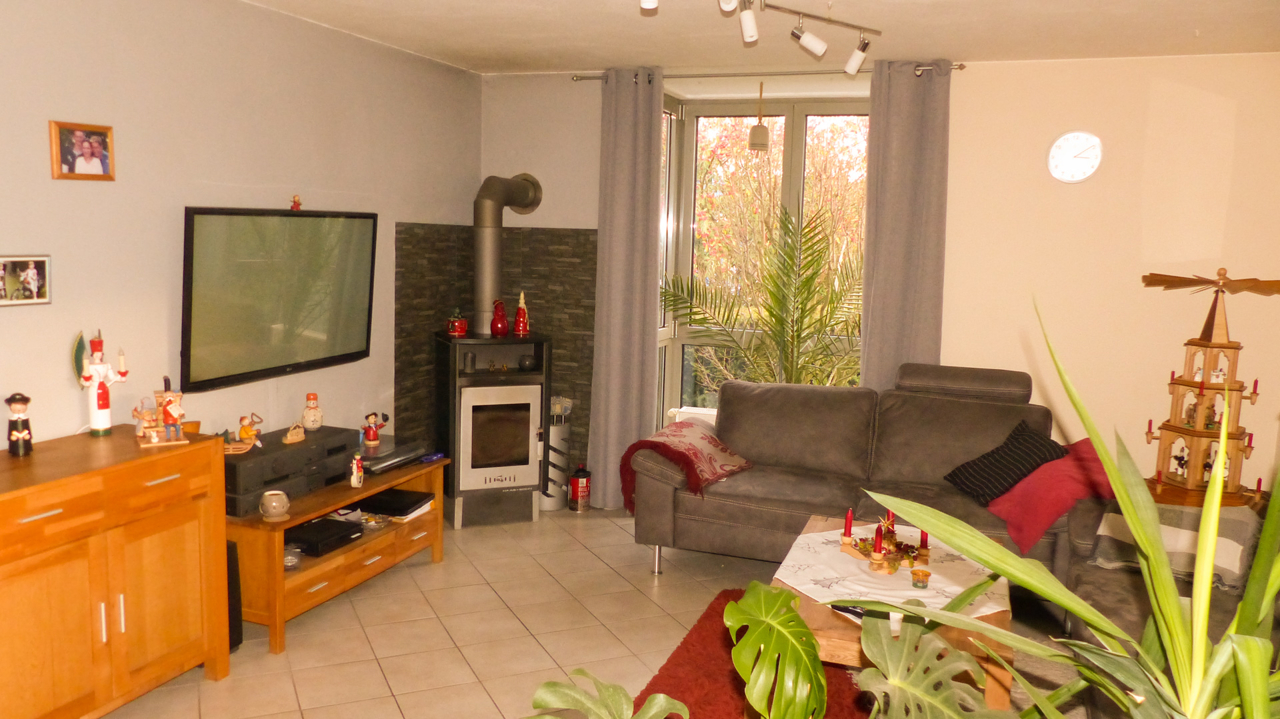 Wohn- und Esszimmer mit Kaminofen