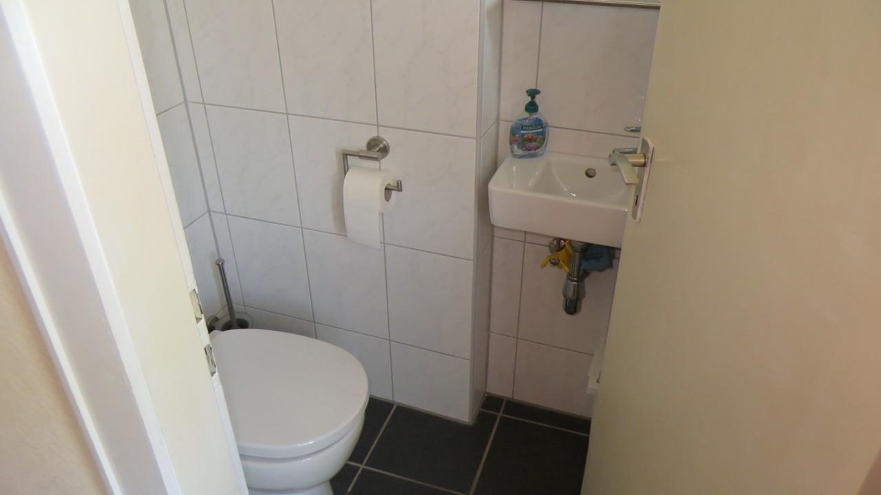 Modernes Gäste-WC