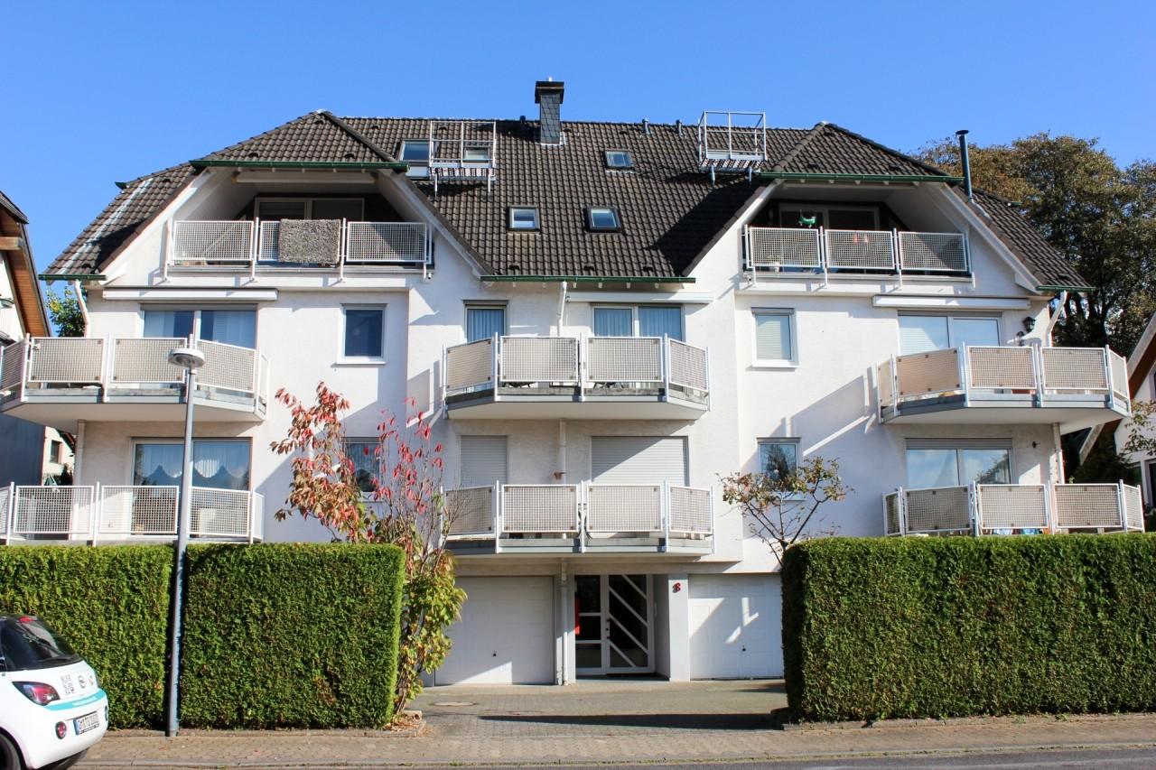 Maisonettewohnung im Gepflegten 8-Familienhaus...